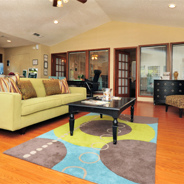 Greenbriar Apartments Plano TX | Clubhouse