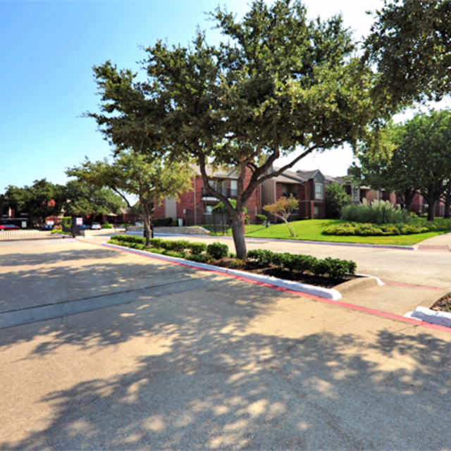 Greenbriar Apartments In Plano TX | Entrance