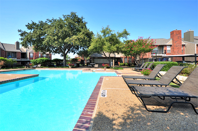 Greenbriar Apartments In Plano TX | Pool Lounge